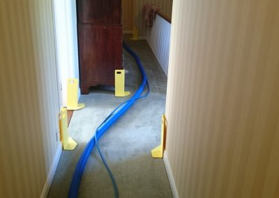 Protecting paintwork while carpet cleaning